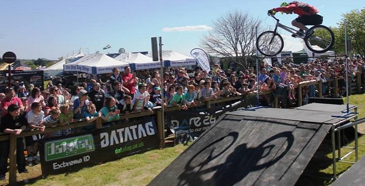 Savage Stunt Team cyclists