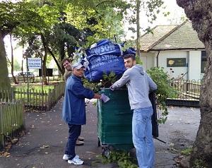 Vodafone volunteers help on Clapham Common