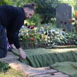 preparing a grave in Lambeth